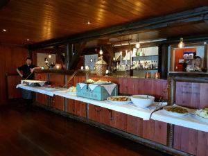 Buffet in skjearbrygga restaurant in Lofoten